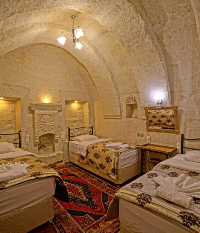 Arch Triple Room