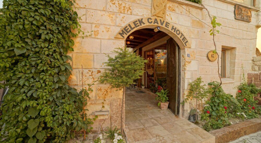 melek-cave-hotel-kapi-2